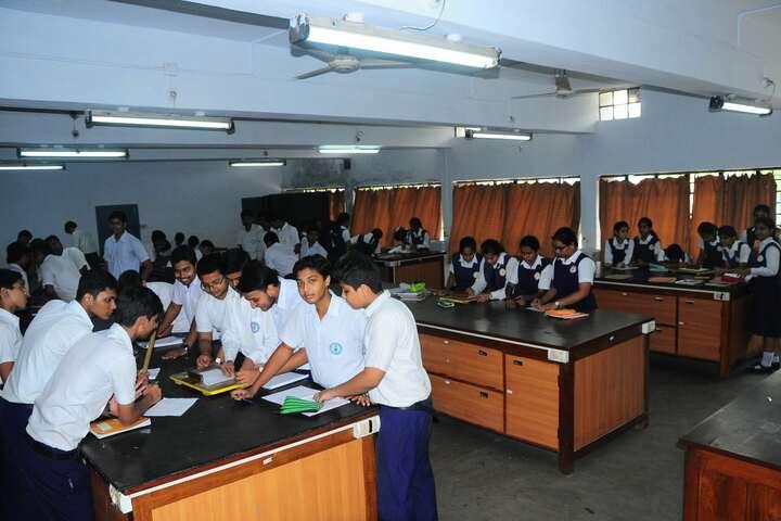 Rajendra Vidyalaya-Physics Lab