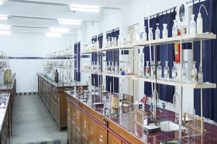 Kerala Samajam Model School-Science Lab