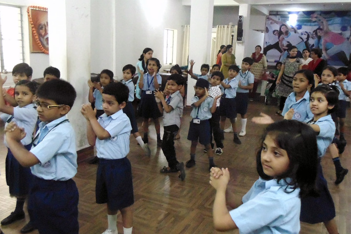 Narbheram Hansraj English School-Dance Class