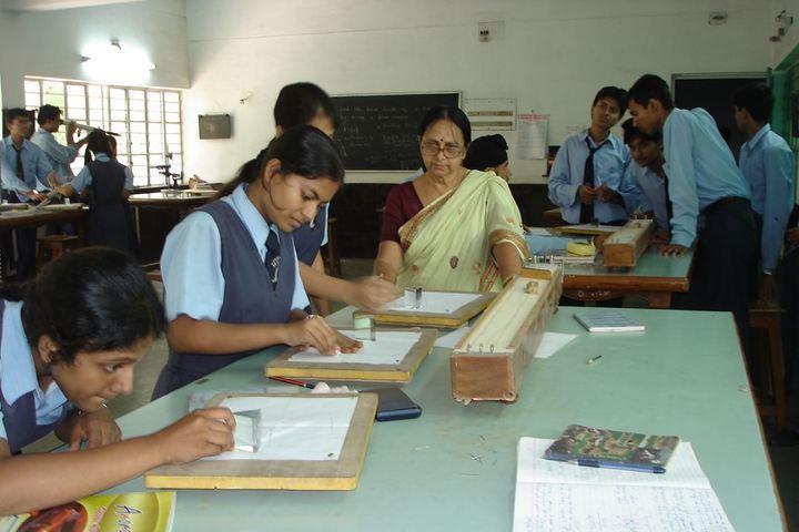 Motilal Nehru Public School-Physics Lab