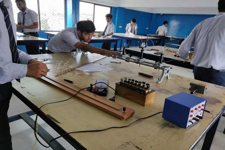 Dayanand Anglo Vedic Public School-Physics Lab