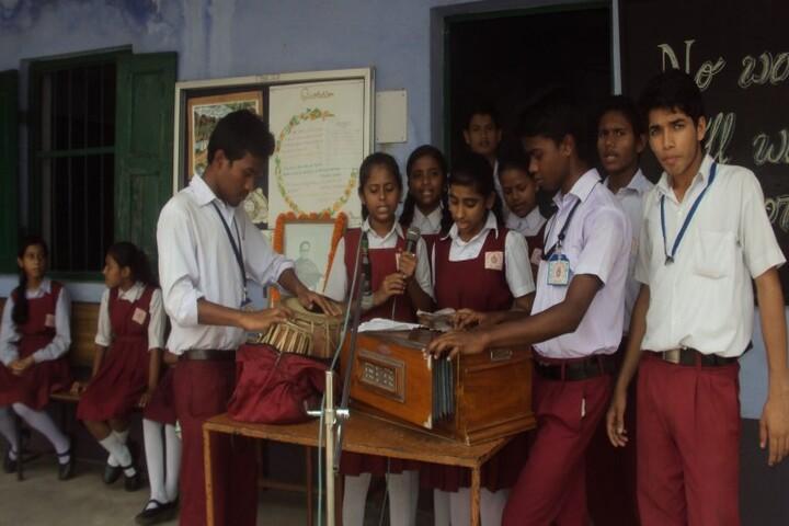 Ramakrishna Mission English School-Music