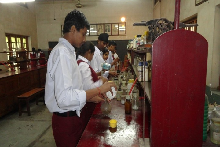 Sister Nivedita English High School-Science Lab