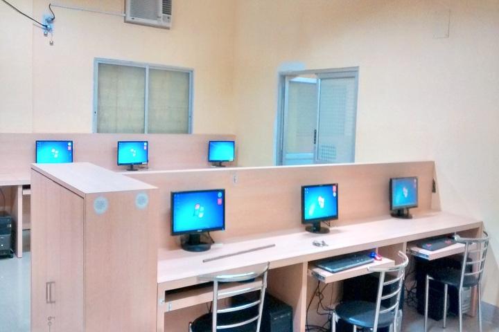 Vivekananda English High School-IT Lab
