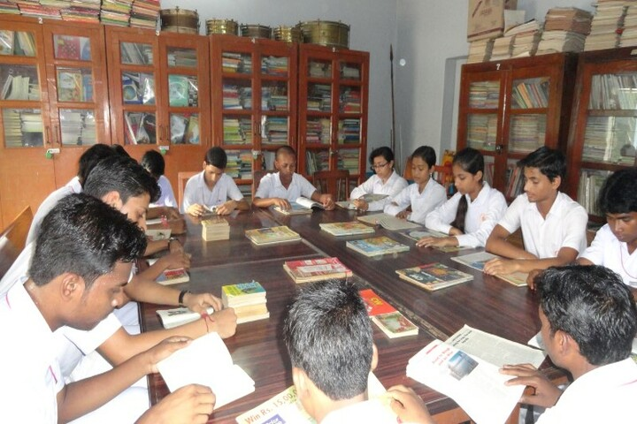Vivekananda English High School-Library