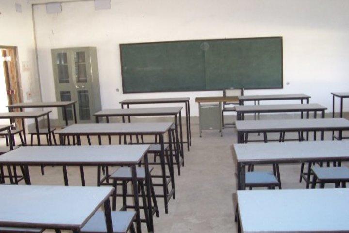 J H Tarapore School-Classroom