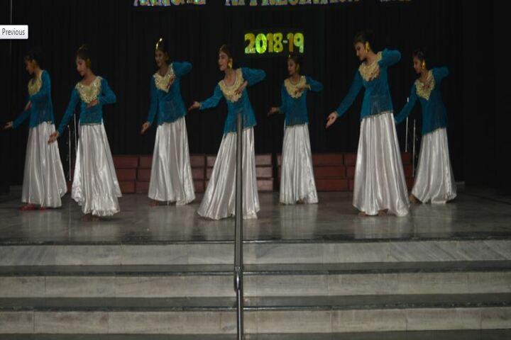 Tarapore School-Dancing Activity