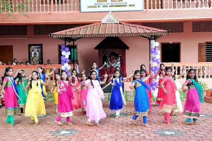 Amrita Vidyalayam-Dancing Activity