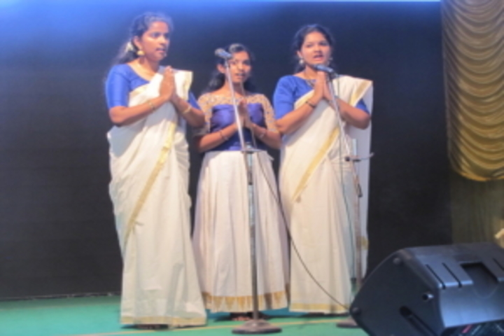 Sri Adwayananda Public School-Singing