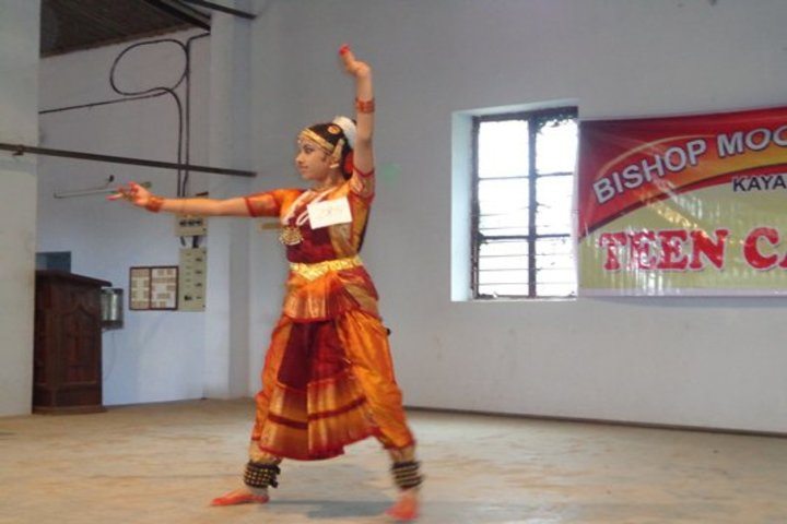 Bishop Moore Vidyapith-Dancing Activity