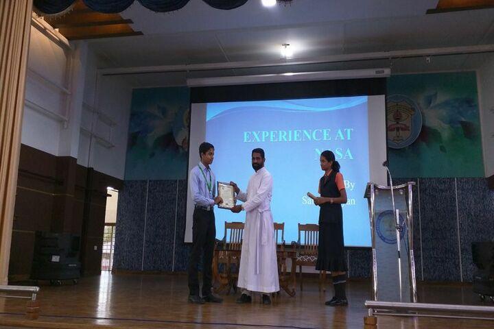 Kuriakose Elias English Medium School-Award