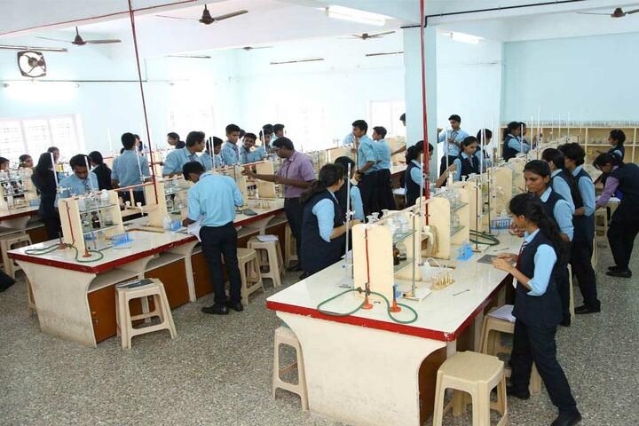 Kuriakose Elias English Medium School-Chemistry Lab