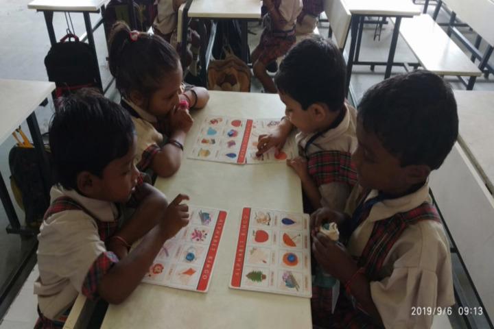 DAV Mukhyamantri Public School-Art room