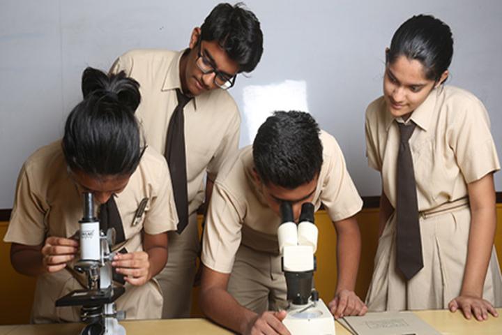 Innisfree House School-Biology Lab