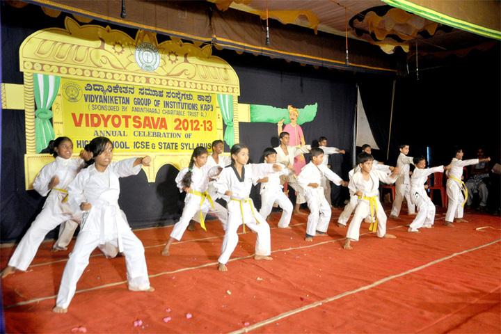 Vidyaniketan Public School-Karate