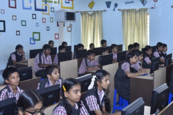 Sri Siddhi Vinayaka Residential School-Computer Lab