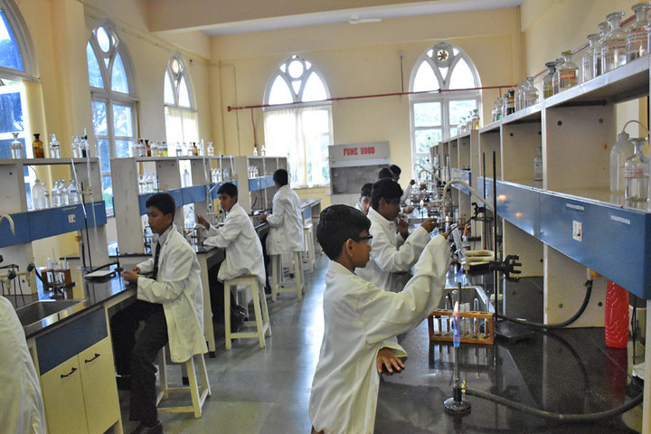Sarala Birla Academy-Chemistry Lab