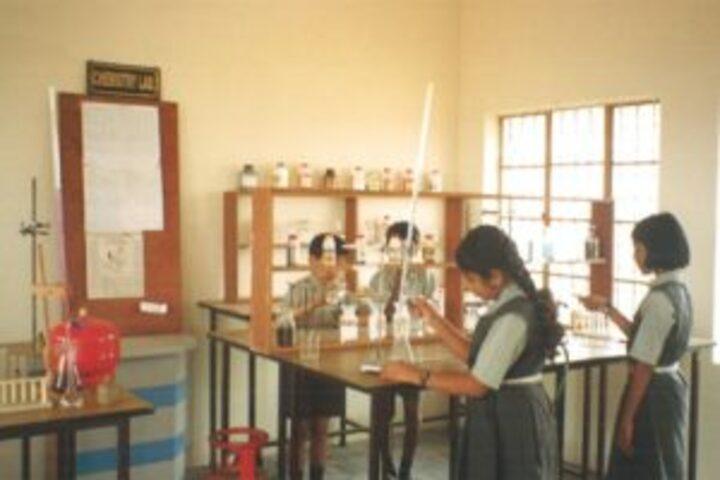 Sri Vani Education Centre-Chemistry Lab