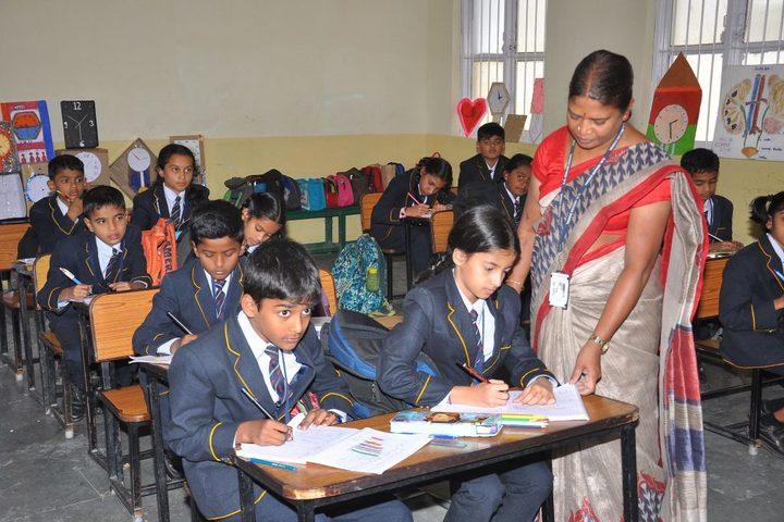 B.M. English School-Class Activity