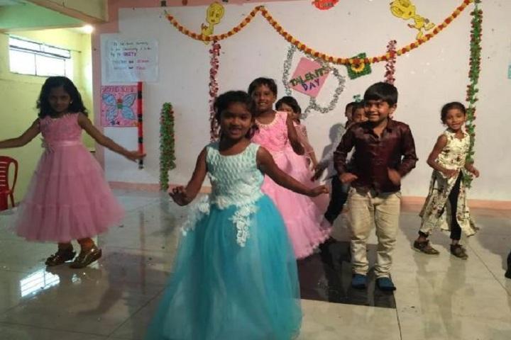 Adhyayan School-Dance