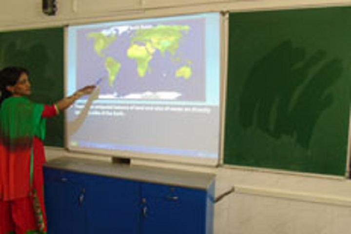 Holy Spirit School-Smart Classroom