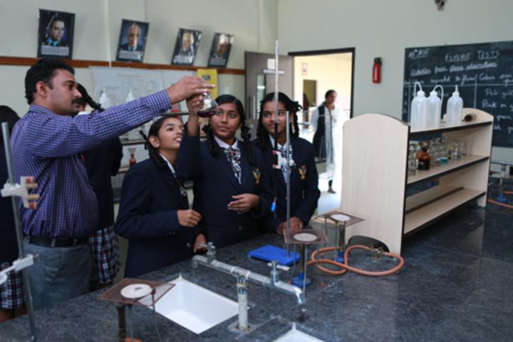 Nightingales English School Bengaluru-Chemistry Lab