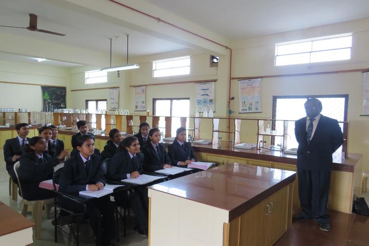 Flos Carmeli Convent School-Chemistry Lab