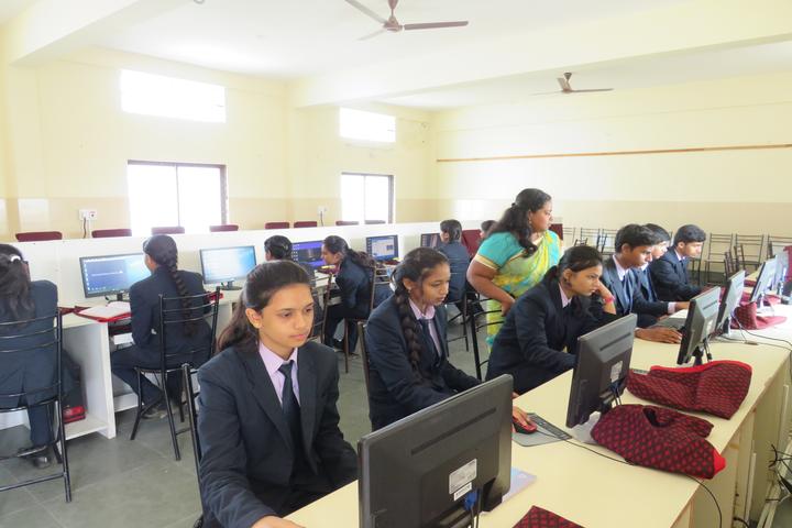 Flos Carmeli Convent School-Computer Lab
