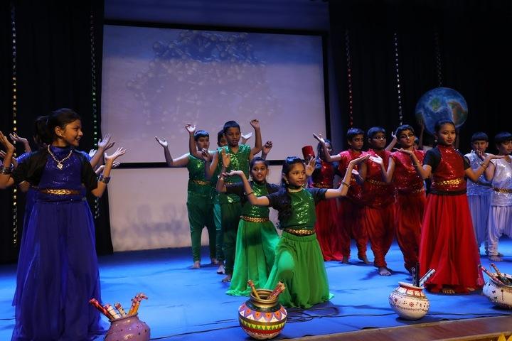 Aavishkar Academy-Dance