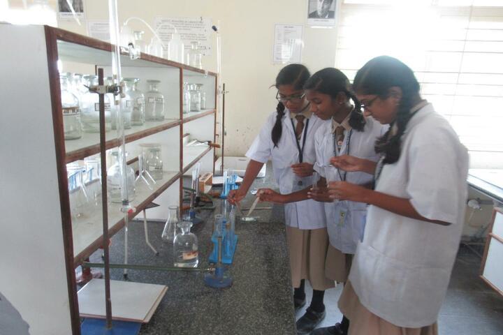 Vishwajyothi International Public School-Chemistry Lab