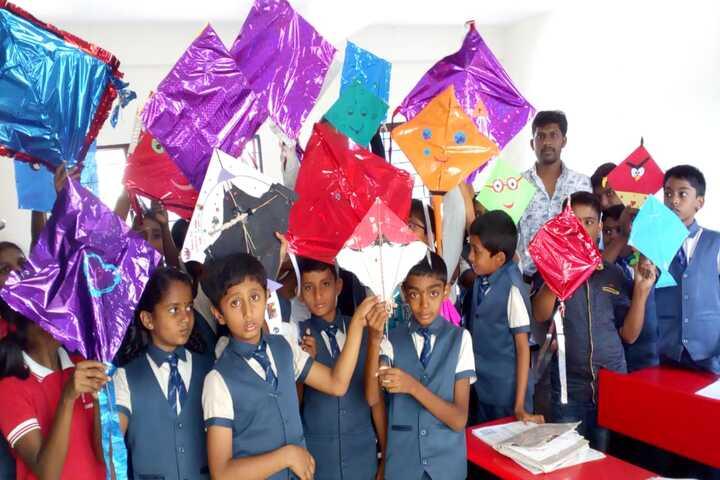 Shri Vivekananda Public School-Kite Festival