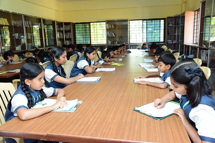 Shri Vivekananda Public School-Library