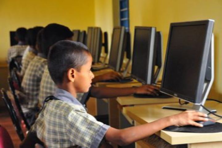 Indian Public School-Computer Lab