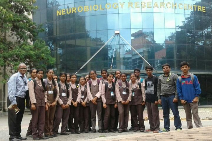 Citizens English School-Visit to Neurology Research Center