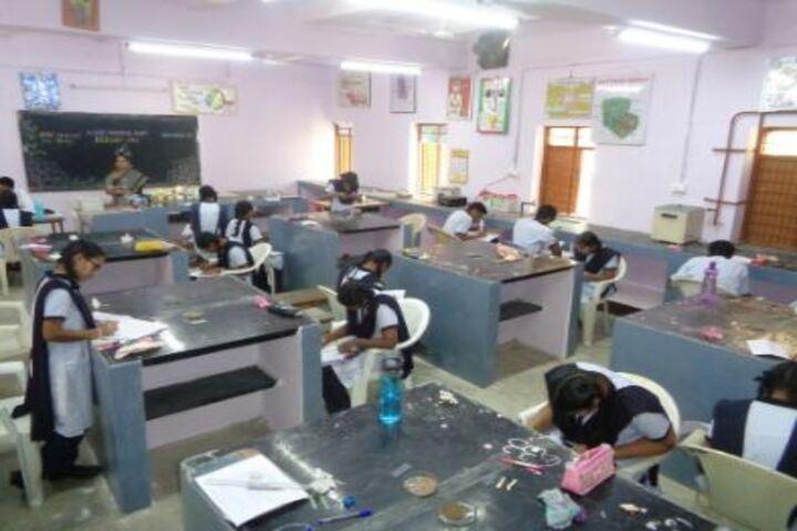 Jawahar Navodaya Vidyalaya-Biology Lab