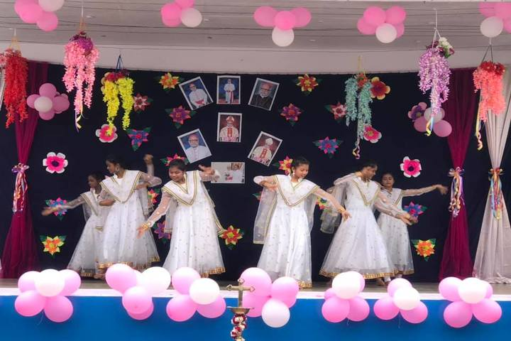 Holy Cross Ashram School-Dance