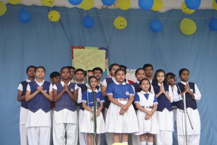 Holy Cross Ashram School-Singing