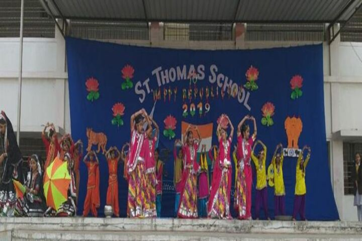 St Thomas School-Dance