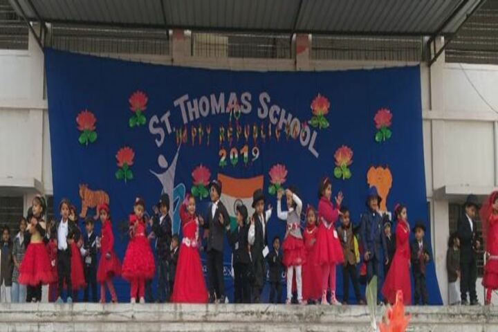 St Thomas School-Junior Dance