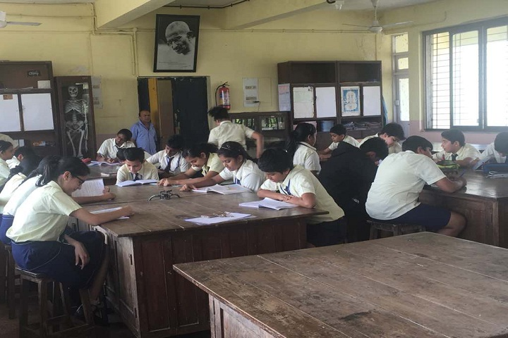 Maneckji Cooper Education Trust School-Biology Lab