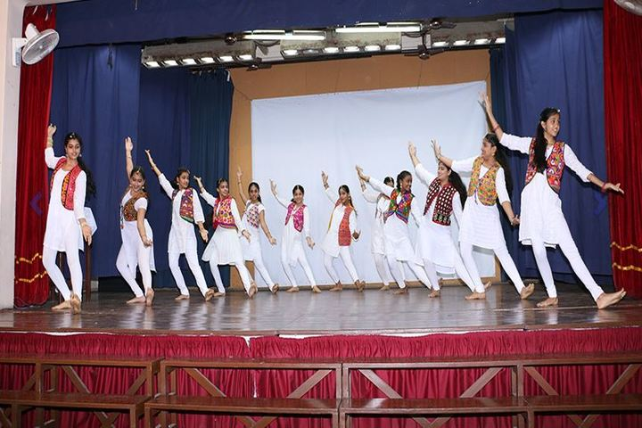 Queen Mary School-Dance