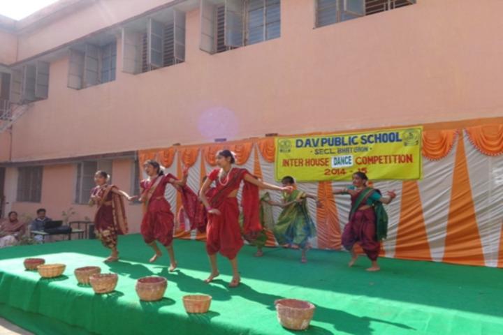 Dav Public School -Group dance