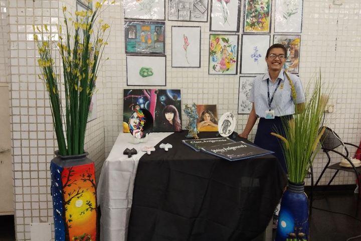 Jasudben M L School-Art Exhibition