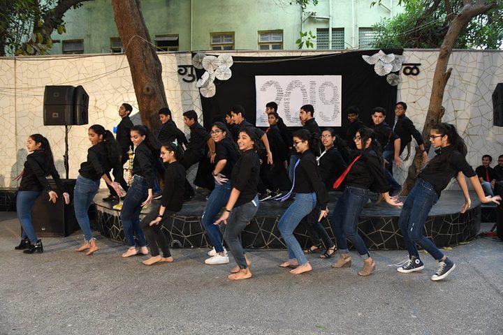 Jasudben M L School-Dance