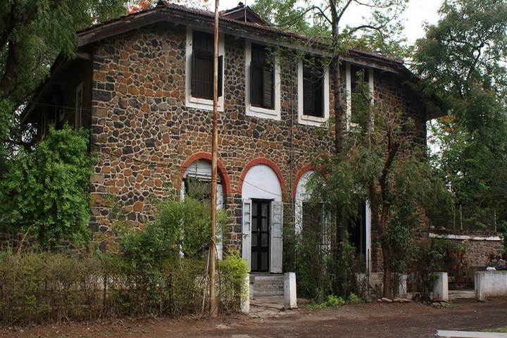 Barnes School and Junior College-Hostel