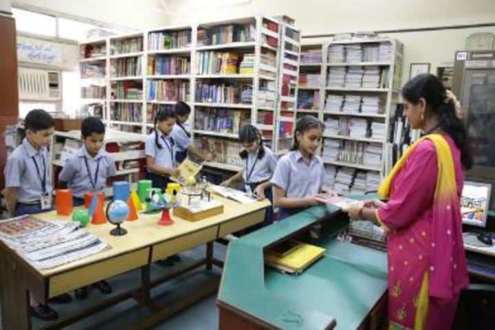 Smt Lilavatibai Podar High School-Library