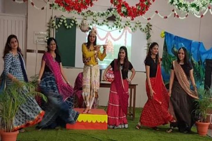 Smt Ramdevi Sobhraj Bajaj Arya Vidya Mandir-Dance