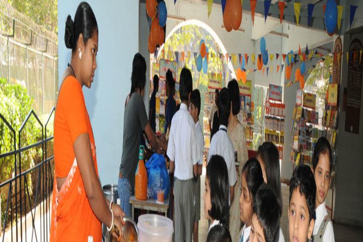 Bombay Scottish School-Cafeteria