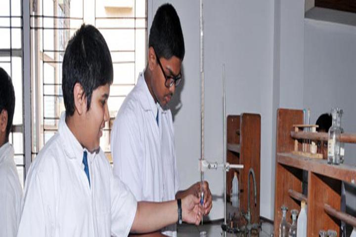 Bombay Scottish School-Chemistry Lab