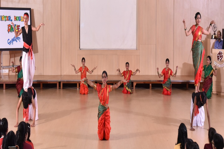 Hiranandani Foundation School-Traditional Dance